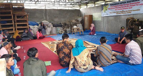 Pengabdian Kepada Masyarakat  Dosen Magister Manajemen Universitas Widyatama ke Petani kopi di Cikondang Garut